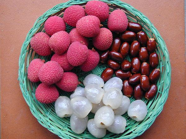 неочищенные и очищенные плоды