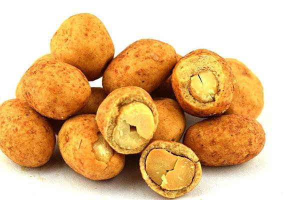вкусный калорийный арахис в кокосовой глазури