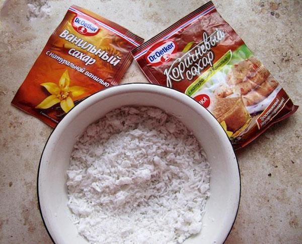 кокосовая стружка и сахар
