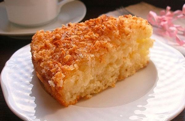кокосовый пирог готов