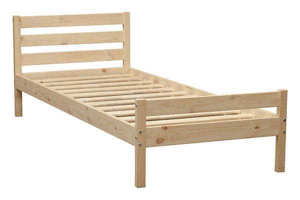 простая кровать из дерева