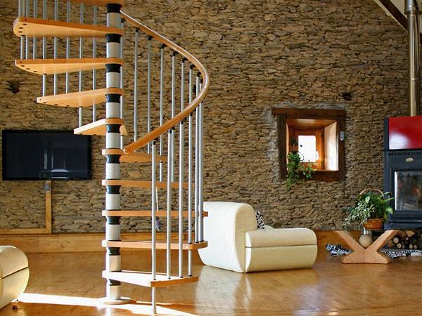 преимущества винтовой лестницы