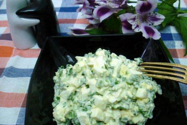 простой салат с черемшой