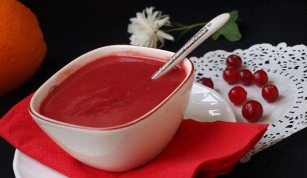 простой соус из клюквы к мясу