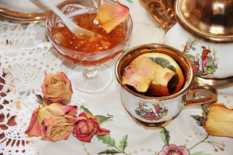 полезное варенье из лепестков роз