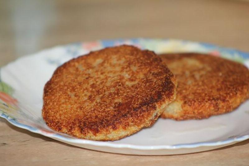 черствый хлеб и хлебные котлеты
