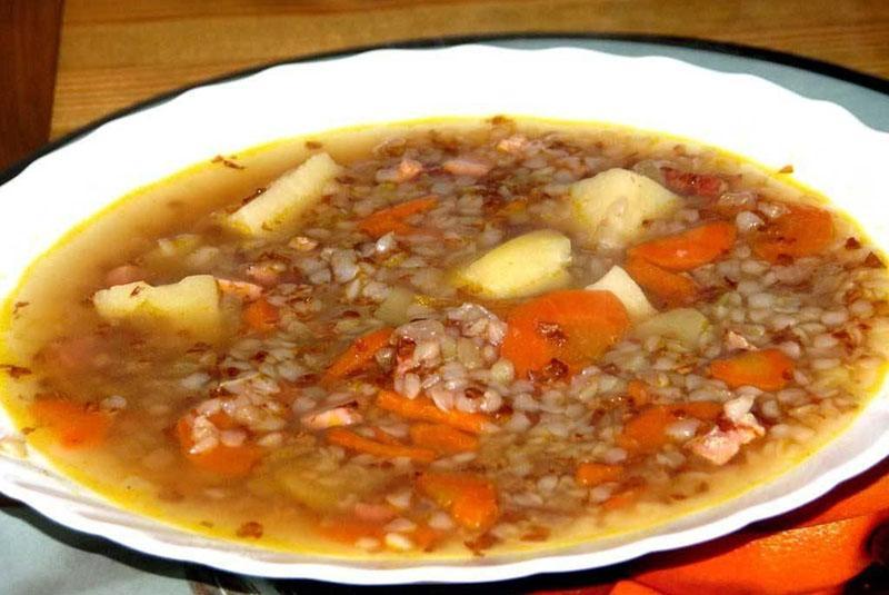 диетический суп с гречкой и овощами