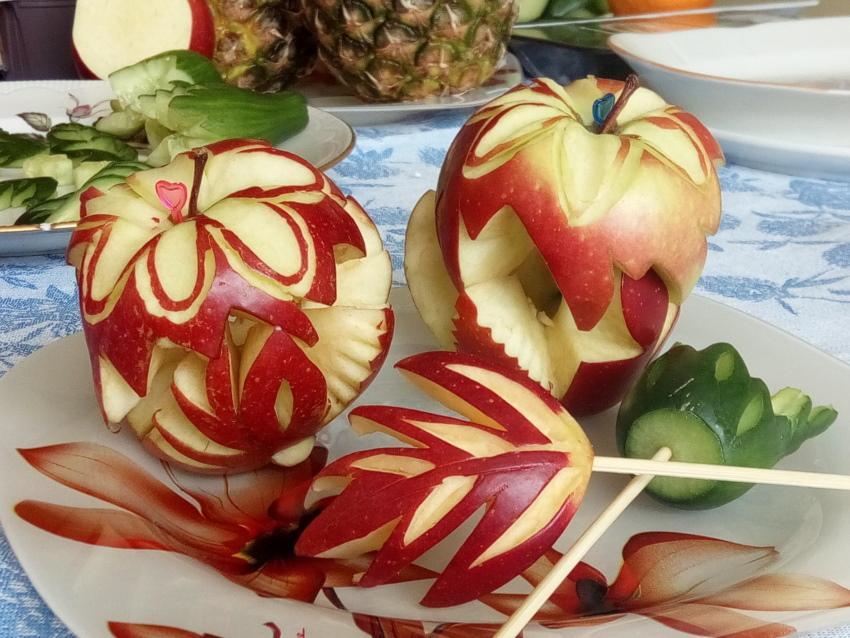 карвинг из яблока