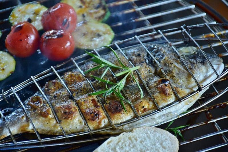 вкусная рыба на гриле