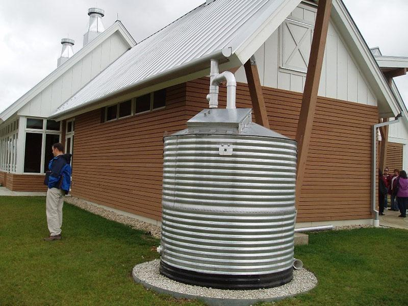 надземный сбор дождевой воды для полива