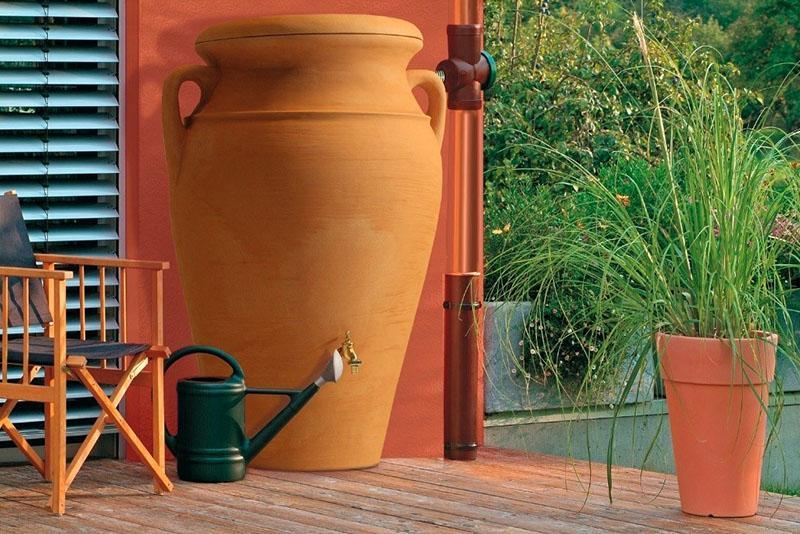 оригинальная емкость для собранной воды