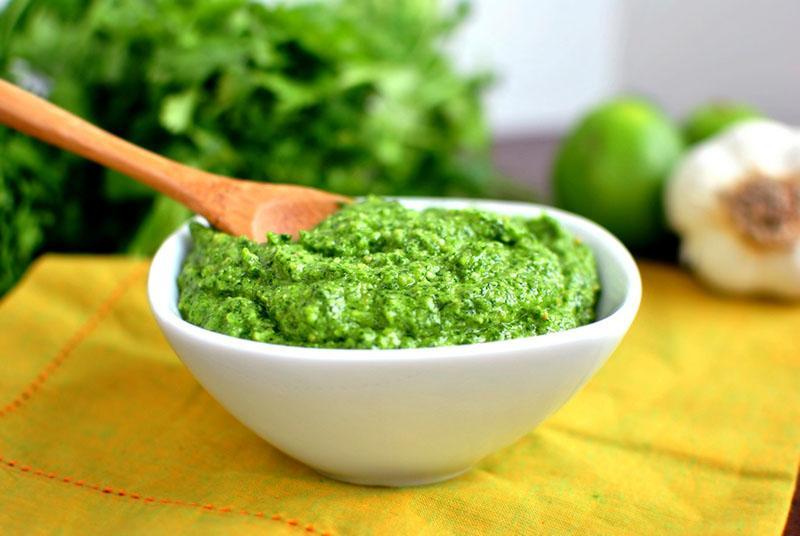 пикантный зеленый соус