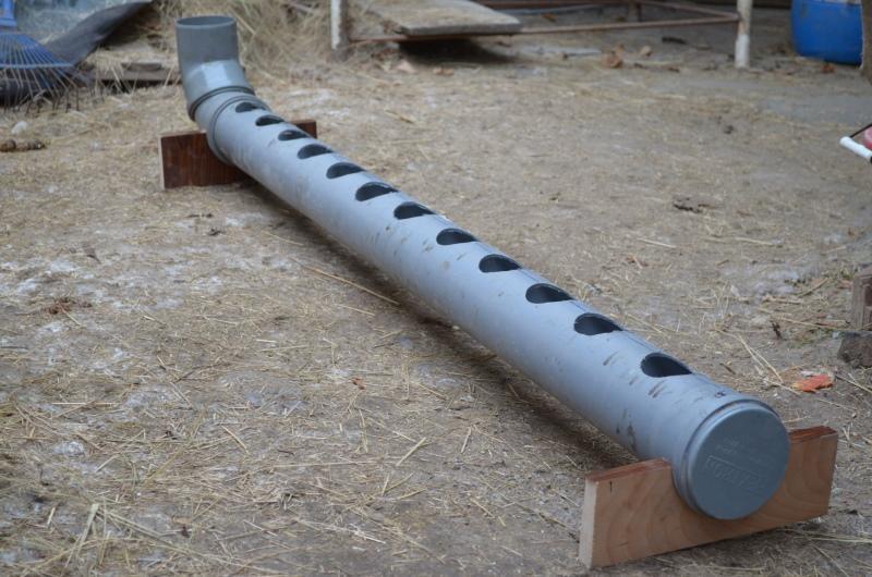 поилка из канализационной трубы