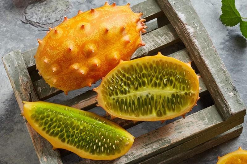 спелый плод кивано в разрезе